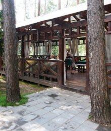 <h4>Предоставления места для отдыха в летнем кафе.</h4>